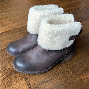 New UGG Aldon Brown Sheepskin Cuff Boots